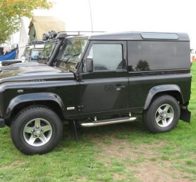 Land Rover Black
